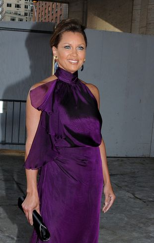 Vanessa Williams cała w fiolecie