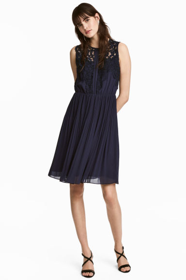Must have na zimę 2017 - 10 wieczorowych sukienek z H&M (FOTO)