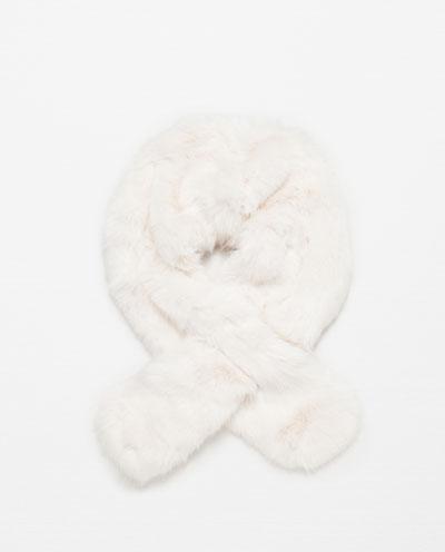 Wyprzedaż w Zarze - Przegląd modnych dodatków na zimę (FOTO)