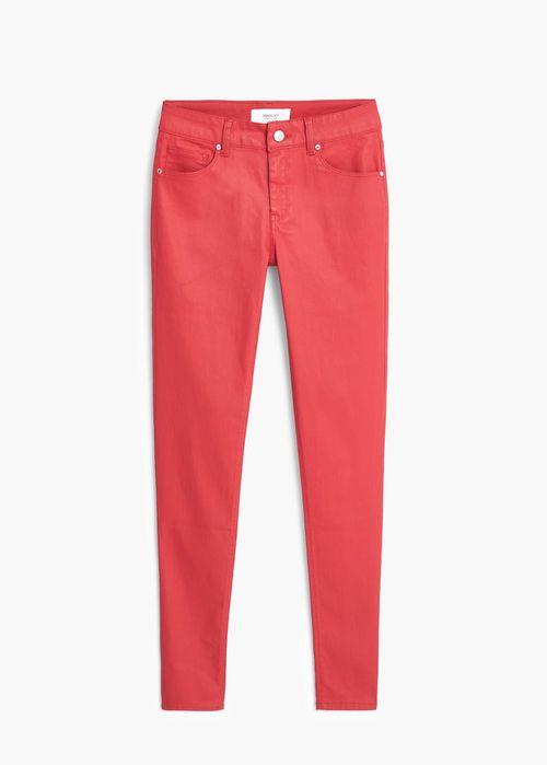 Wyprzedaż w Mango - 10 modych par jeansów (FOTO)