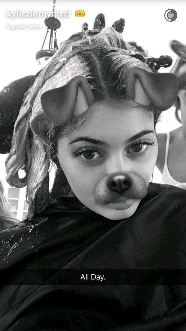 Padniecie, gdy zobaczycie, co ze swoimi włosami robi właśnie Kylie Jenner