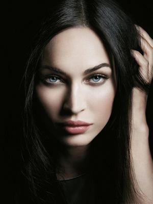 Megan Fox reklamuje kosmetyki od Giorgio Armaniego