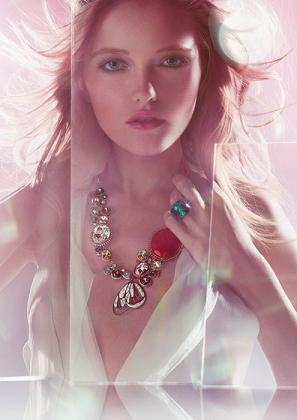 Vlada Roslyakova reklamuje biżuterię od Swarovskiego