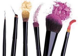 Jakie pędzle powinnaś mieć w kosmetyczce?
