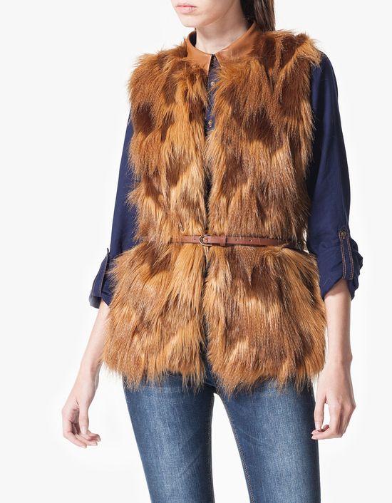 Winter waistcoat - Ciepły trend w nowościach Stradivariusa