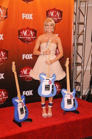 Dziewczęca Carrie Underwood (FOTO)