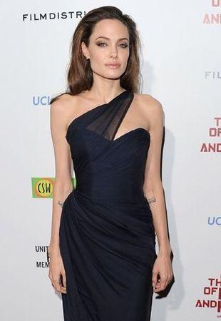 Wiadomo już, kto zaprojektuje suknię ślubną Angeliny Jolie!