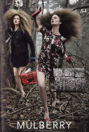 Kasia Struss zagubiona w lesie