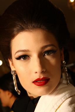 Makijaże i fryzury modelek na pokazie Lanvin dla H&M