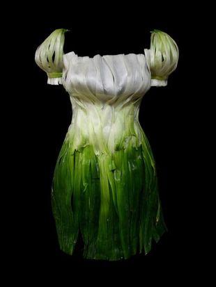 Smakowite sukienki  zrobione z jedzenia (FOTO)
