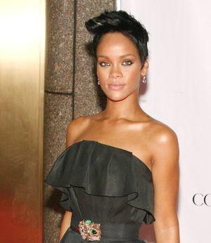 Rihanna w sukni Gucci...