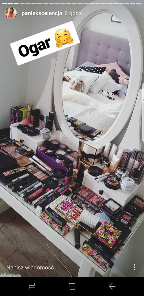 Pani Ekscelencja chwali się ogromną kolekcją kosmetyków (FOTO)