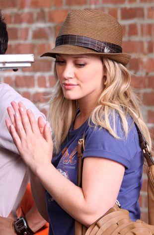 Hilary Duff w kapelusiku