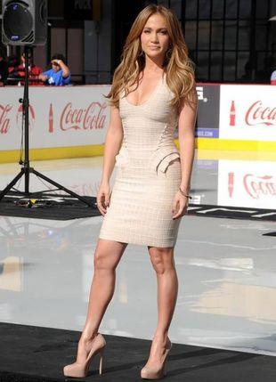 Jennifer Lopez w Hervé Léger (FOTO)