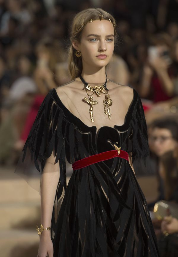 VALENTINO - BEAUTY OF THE MIRABILIA ROMAE COUTURE COLLECTION