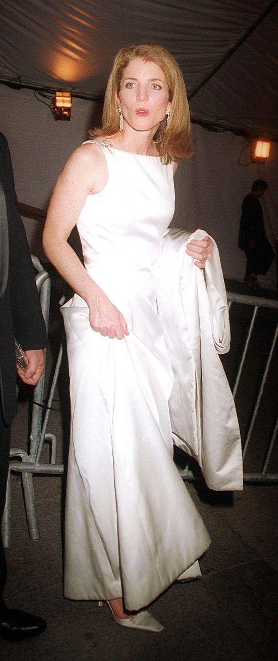 Wspominamy najpiękniejsze suknie na Galach MET (FOTO)