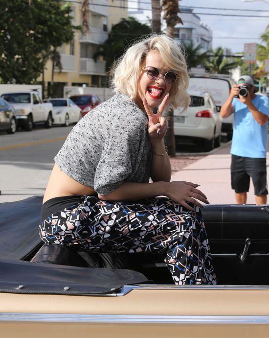 Rita Ora za kulisami sesji dla Material Girl
