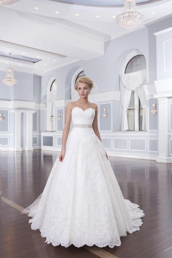 477ba70d6c Suknie ślubne Lillian West wiosna 2014 - zdjęcie 1 - Zeberka.pl