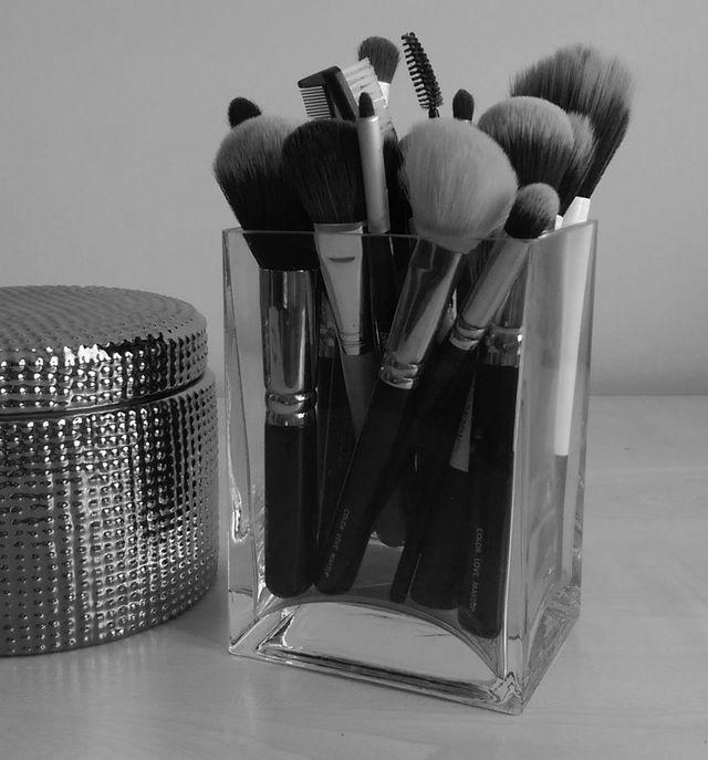 Jak czyścić pędzle do makijażu? Poznajcie brushegg [VIDEO]