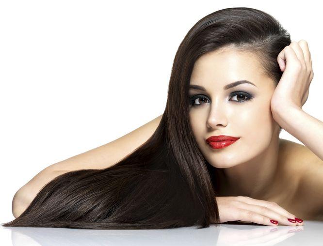 Jak zregenerować zniszczone włosy?