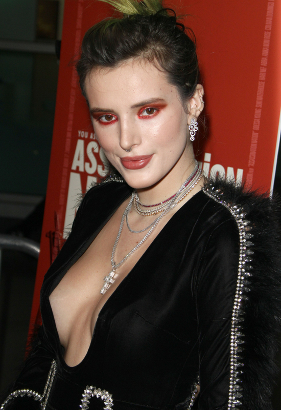 Bella Thorne zaliczya wpadkę! Przekombinowała makijaż?