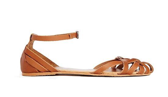 Sandałki - płaskie i na obcasie - przegląd Asos (FOTO)