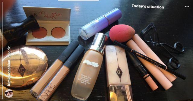 Kim Kardashian pokazuje swoje ulubione kosmetyki. My sprawdzamy ile kosztują