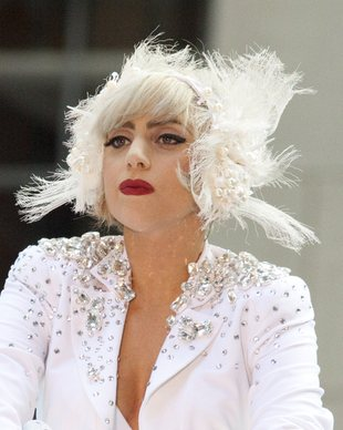 Biała i czarna Lady Gaga