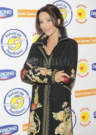 Justyna Steczkowska w płaszczyku w kwiatki