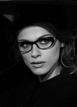 Elisa Sednaoui twarzą linii Chanel Eyewear