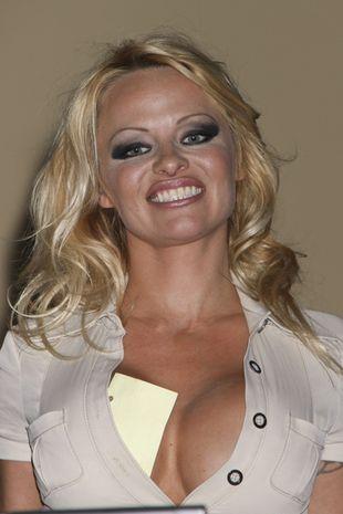Okropny makijaż Pameli Anderson