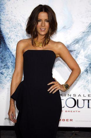 Kate Beckinsale w długiej sukni