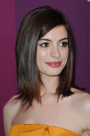 Musztardowa Anne Hathaway
