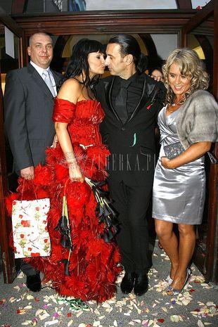 Iwona Pavlovic w czerwieni do ślubu