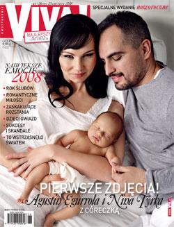 Agustin Egurrola pokazuje córeczkę