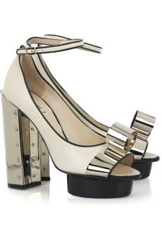 Odważne buty od Phi