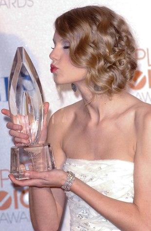 Taylor Swift w ultra mini