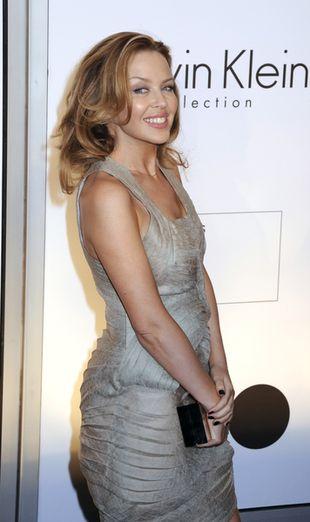 Kylie Minogue w kreacji Calvina Kleina