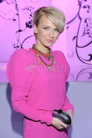 Różowa sukienka Magdy Mołek