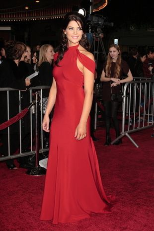 Ashley Greene nie boi się czerwieni