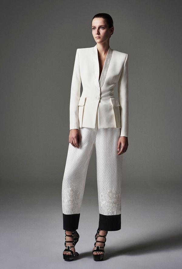 Alexander McQueen - kolekcja na wiosnę/lato 2015 (FOTO)
