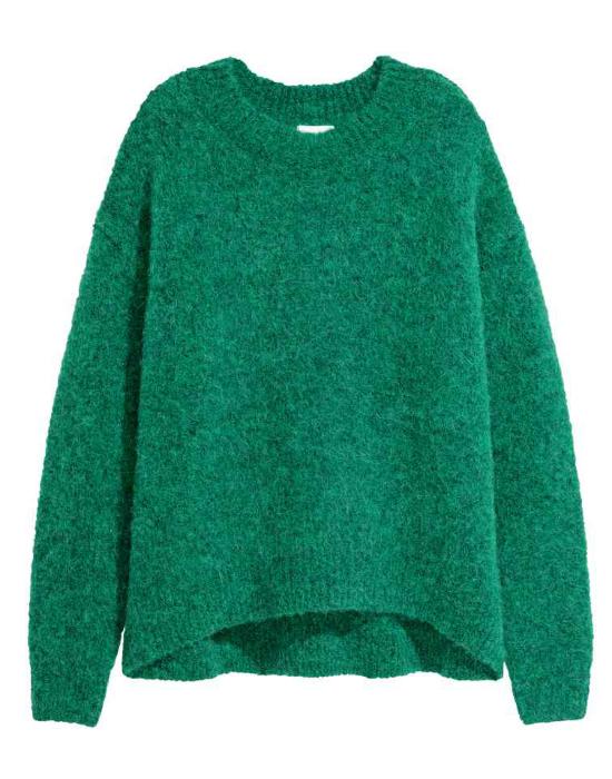 Sweter idealny na jesień? Oversize! Przegląd najmodniejszych swetrów z sieciówek