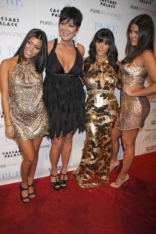 Siostry Kardashian w sylwestrowych kreacjach