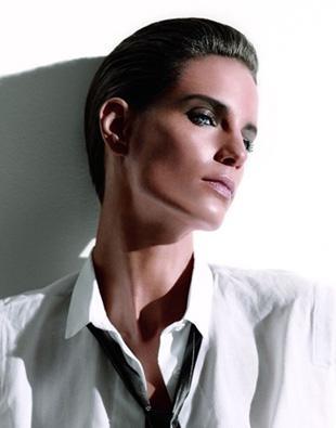 Iris Strubegger - androgyniczny szyk w kampanii NARS