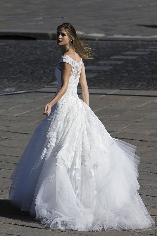 Moda ślubna - przegląd sukien ślubnych Cymbeline
