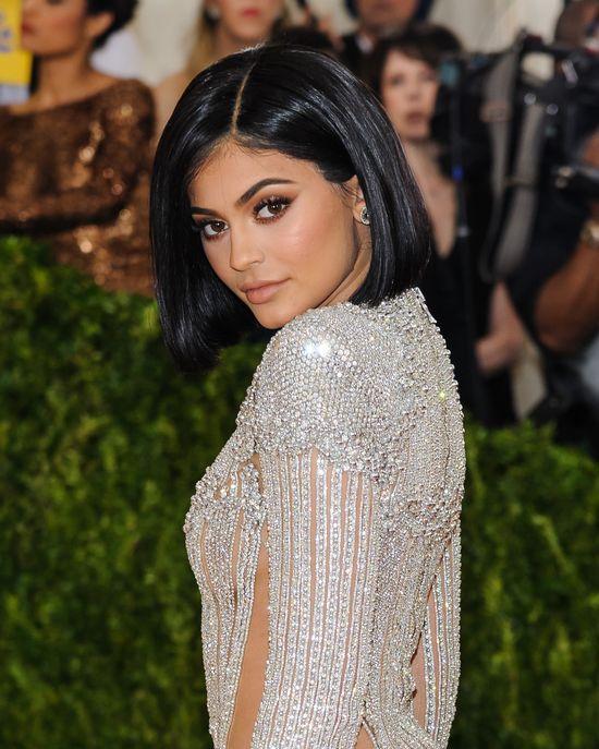 Kylie Jenner przesadziła? TAKIEJ sesji zdjęciowej jeszcze nie miała