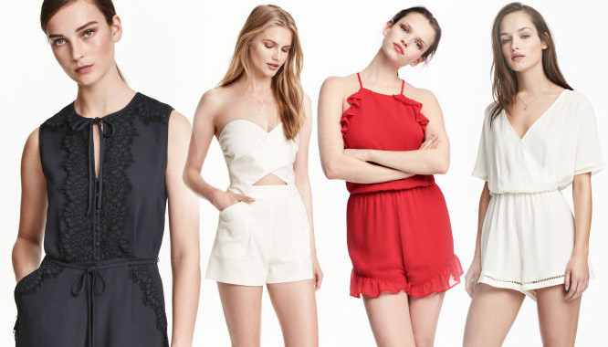 Hmmm... Pomysł na letnią stylizację w niepowtarzalnym wydaniu? Na pewno strzałem w 10 będą tu zestawy z kombinezonami. Jeśli jesteście fankami tego elementu garderoby, a jeszcze nie udało się Wam znaleźć w tym roku idealnego dla siebie, mamy coś dla Was! Postanowiłyśmy przyjrzeć się ofercie wyprzedażowej kolejnej z topowych sieciówek. Po Zarze i modnych sukienkach skupiłyśmy się na kombinezonach z H&M! Styliści szwedzkiej sieciówki przygotowali dla swoich klientek wyjątkowy ich wybór. Do naszego dzisiejszego przeglądu wybrałyśmy 10 modnych propozycji długości mini. Znajdziecie wśród nich zarówno kombinezony w bardziej eleganckim wydaniu, jak i wygodne, casualowe, idealne na co dzień. Nie brak tu ani wykończeń w postaci falban, ani koronek, wycięć czy ciekawie rozwiązanych ramiączek i wiązań. W oczy od razu rzuca się tu mieszanka stylów i spore zróżnicowanie fasonów poszczególnych kombinezonów. ZOBACZ TEŻ: Prosto z Instagrama: festiwalowe stylizacje Zobaczcie!