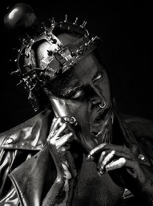 Zdjęcia promujące pokaz jesiennej kolekcji Thierry Mugler