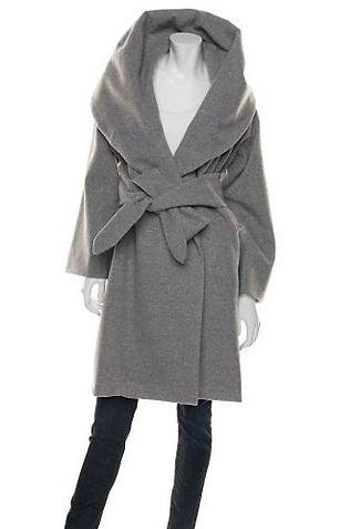 Płaszcz z szalowym kołnierzem