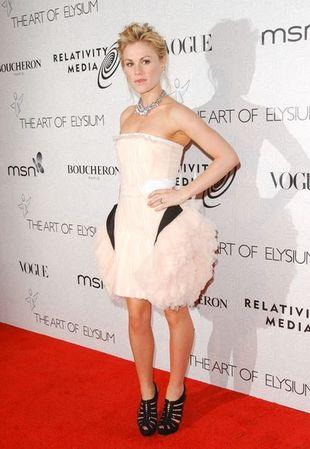 Anna Paquin i Camilla Belle w ekscentrycznych sukienkach